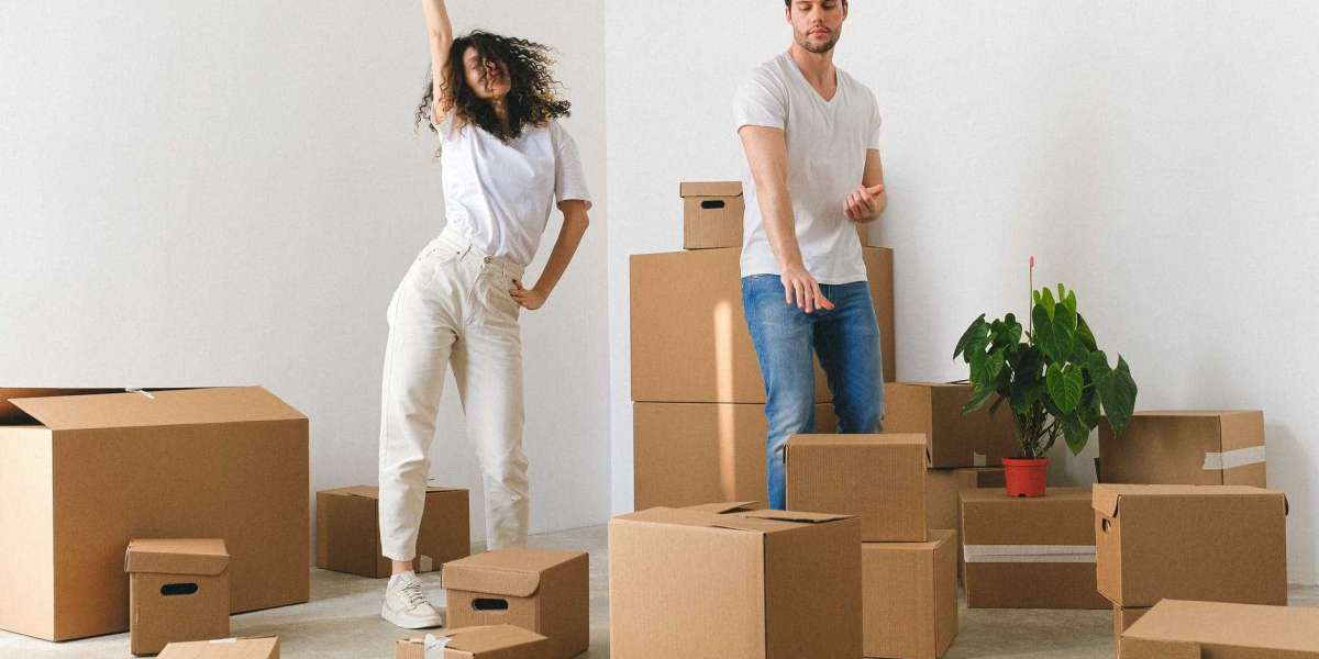 What topics have to Customer Expect from packers and movers?