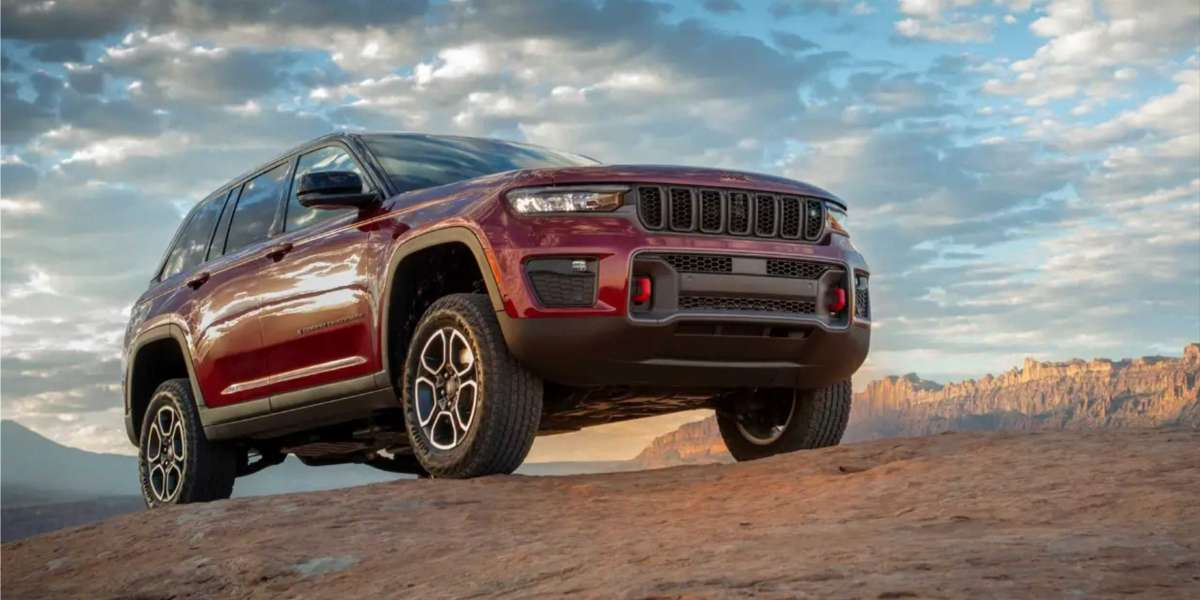 The Jeep Grand Cherokee 2022 is the pinnacle of off-road capability